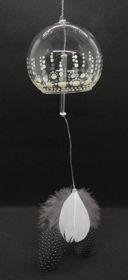 Cloche en verre soufflé ,plume , sonore